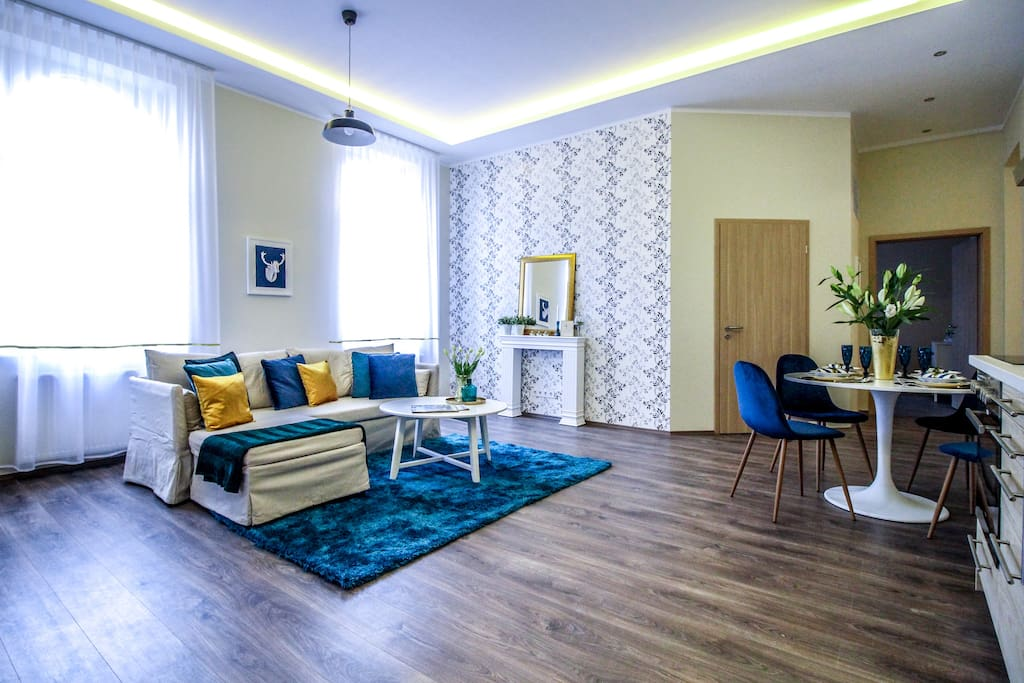 Lovely sunny livingroom where friends and family can gather