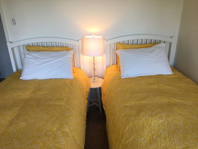 Twin Beds in Middle Bedroom