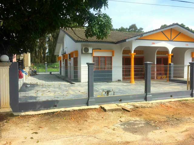 Orange Home Stay Villa 2 (Semi-D)