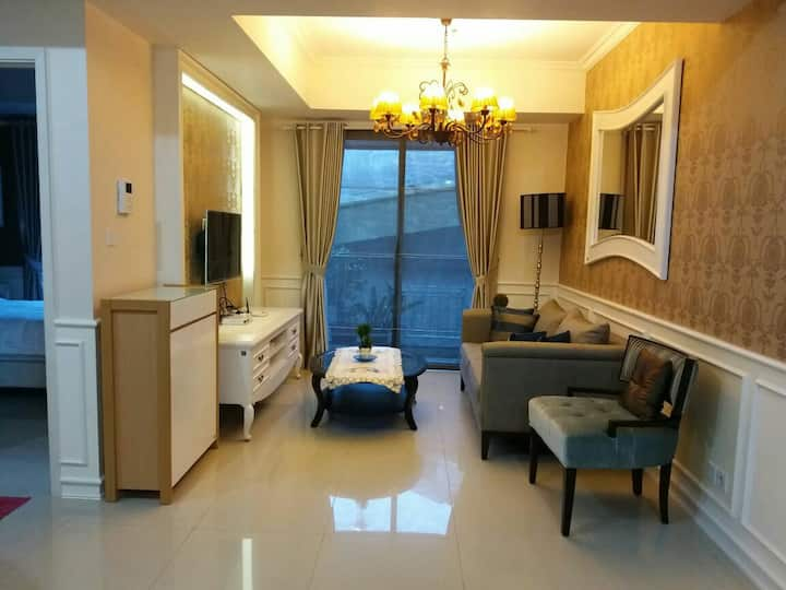 2BR Aprt, Close To CBD, Access to Shopping Mall