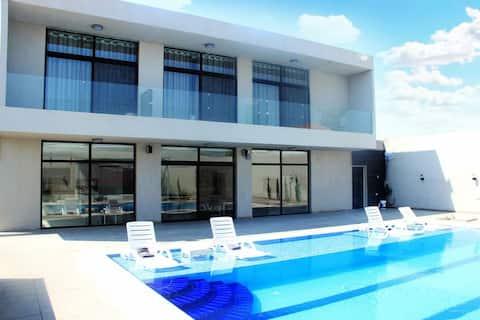 Dead sea Luxurious villa. Santorini chalet VIP