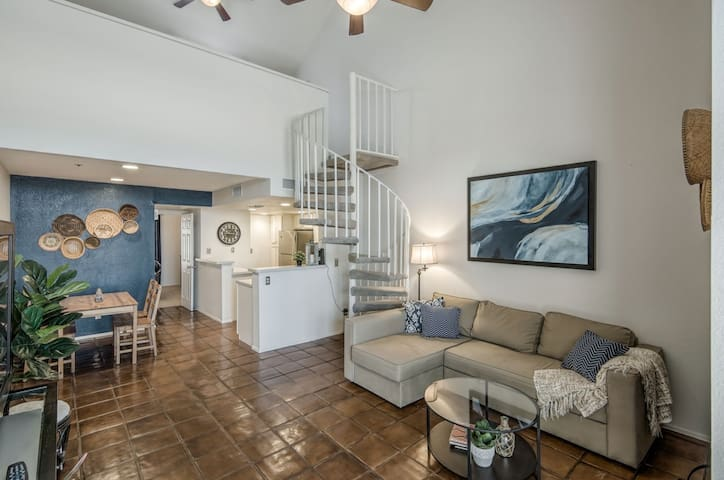 Condo w/ Loft in Oldtown Scottsdale with Garage