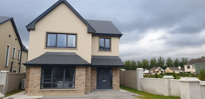 Beautiful new home in the heart of Killarney