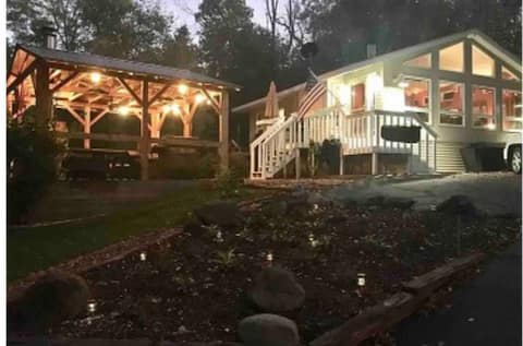 Relax and Enjoy Edgerton Vacation Home