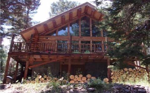 Quiet Cabin Retreat in Aspen Grove