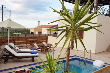 Seaview Villa with pool and roof sitting place!