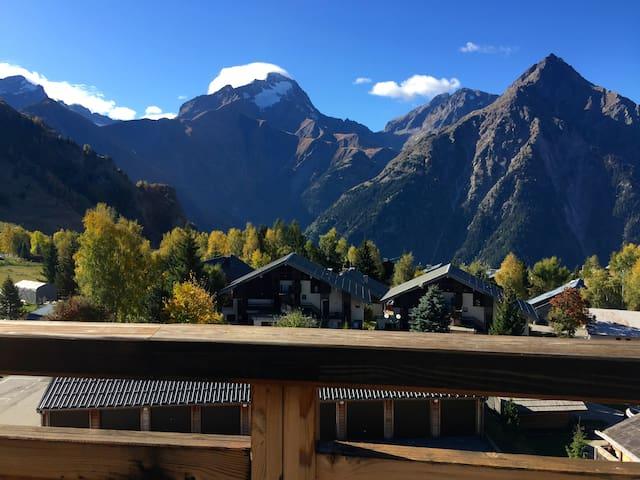 Dernier étage, grande terrasse, ski au pied