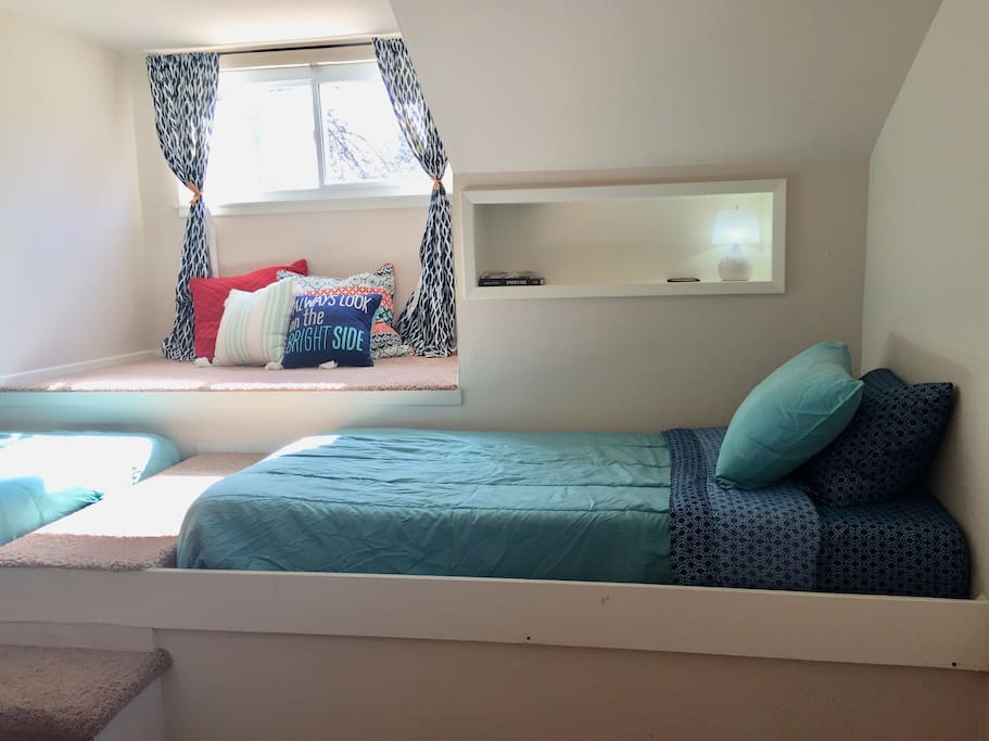 Guest Room: Single Bed and Cozy Nook