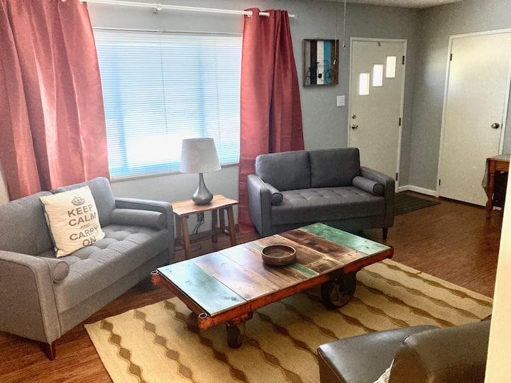 The Royale Retreat: Clean & Quiet