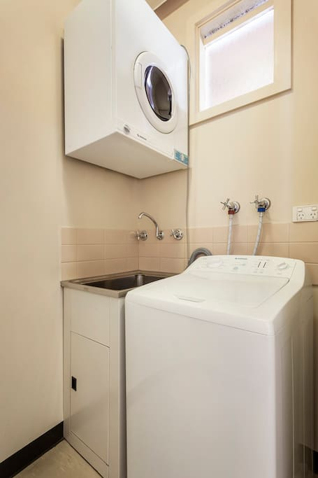 Standard Apartment - Laundry