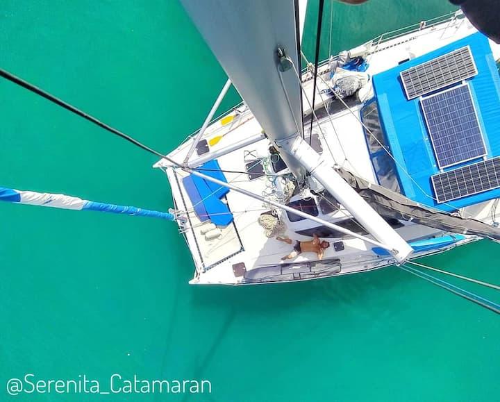 Vivir sobre el mar a bordo de un Catamarán