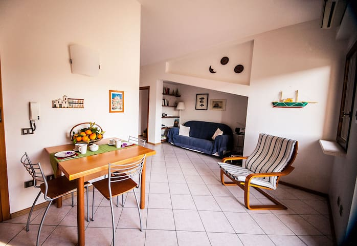 Attic with terrace on the river | attico sul fiume - Bosa - Wohnung