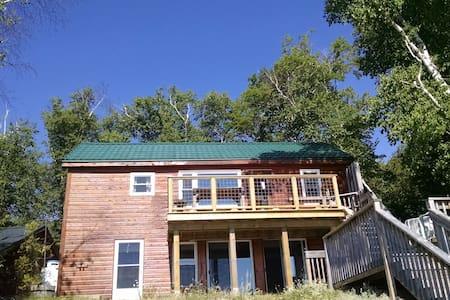 Stoweaway Cottage - Miller Lake - Stuga