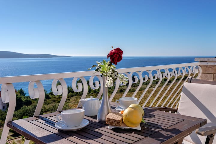 Luxury apartment with a breathtaking view 4