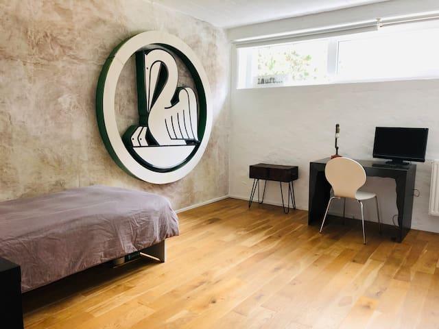 Schlafzimmer 4 mit zwei Einzebetten oder ggf. einem Doppelbett