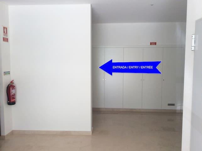 Entrada do apartamento / apartment entry