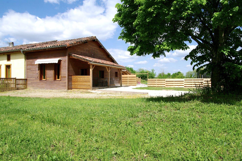 l ecologite Baies de sureau avec sa terrasse couverte