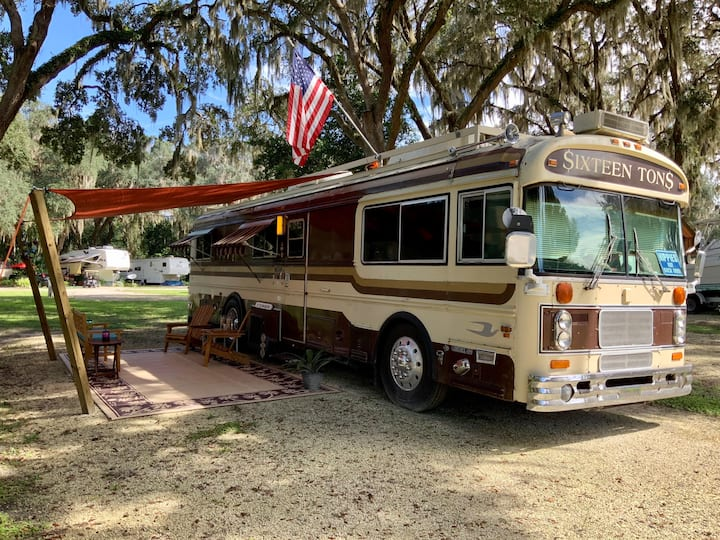 "Vintage Florida Retreat/Motorhome ""$ixteen Ton$"""