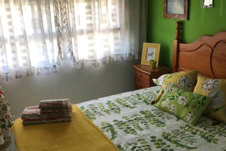 Habitación doble en Urbanización - Alicante - Bed & Breakfast