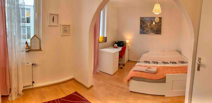 Cosy and comfortable flat in Cologne