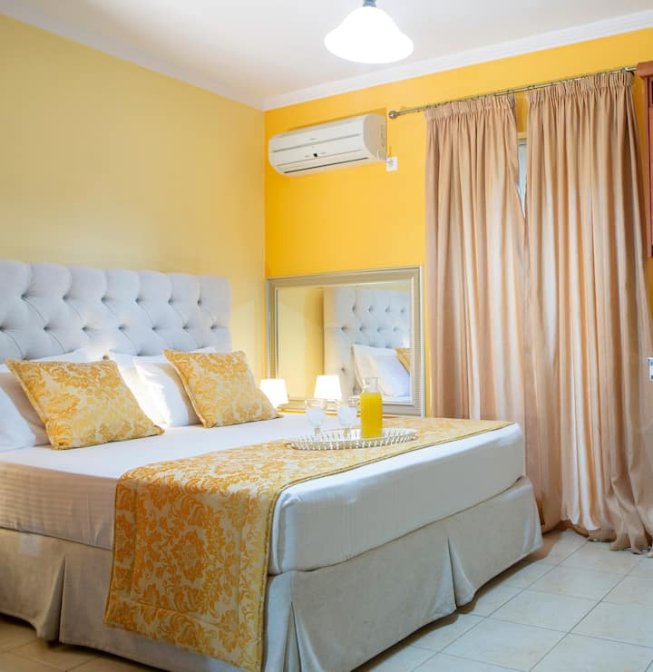 Apollon Deluxe Apartment for a wonderful vacation