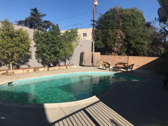 CLEAN/DISINFECTED beautiful home w-shared POOL p18