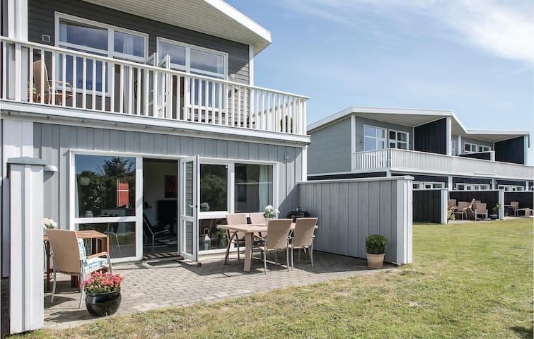 Terraced house with 4 bedrooms on 105m² in Løkken