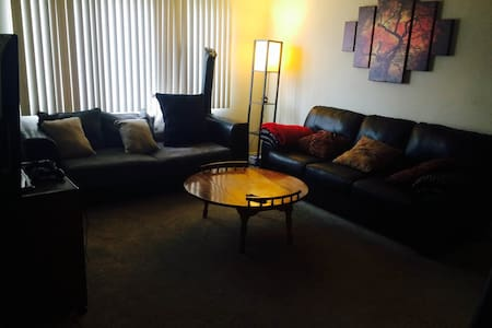 Comfy Room in Palms/ Culver City - Los Angeles