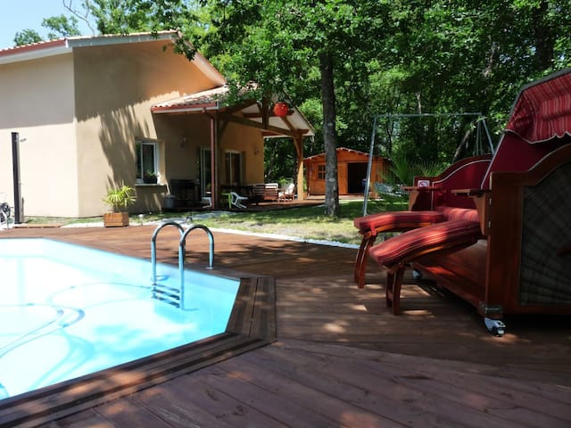 Villa indépendante avec piscine privée proche mer - Vendays-Montalivet - วิลล่า