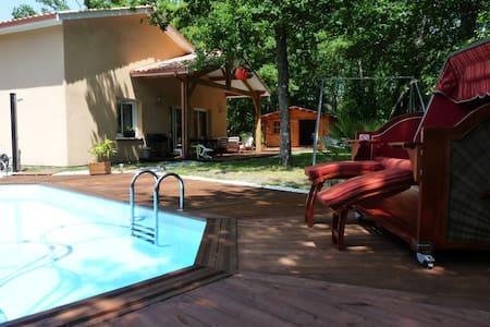 Villa indépendante avec piscine privée proche mer - Vendays-Montalivet