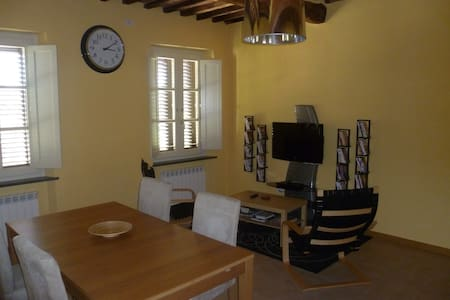 Old and renovated apartment - Lucca - Apartment