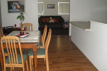 Australind House for families - Australind