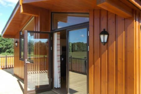 Self Catering Lodge - East Calder