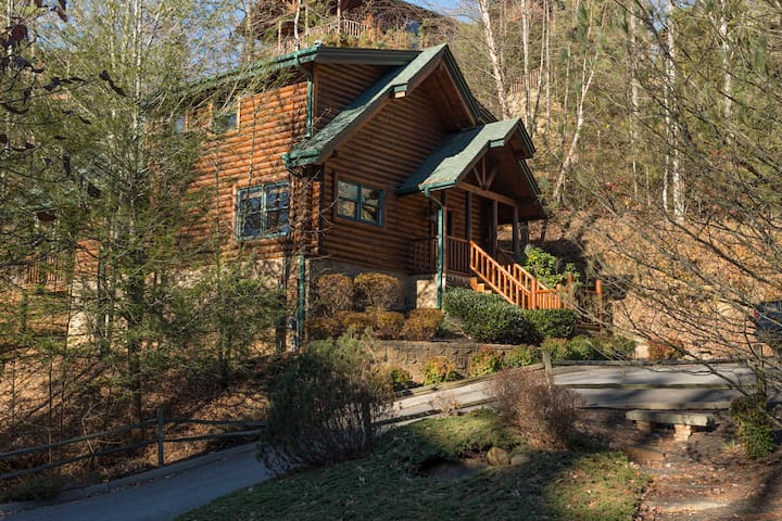 Romance,Resort, 1.5 ml 1st light toGatlinburg,WIFI