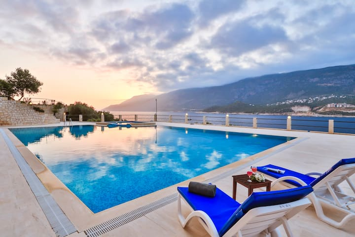 Sea Platform, Large Pool, Sun & Relaxing...... - Kaş - Departamento