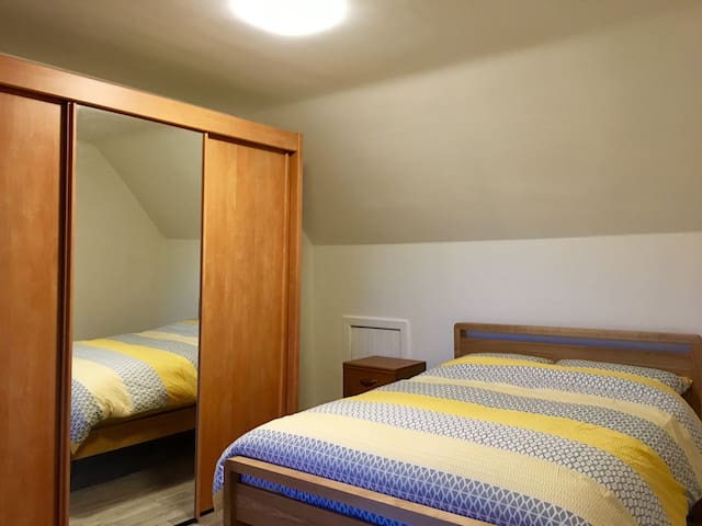 Comfortable Double bedroom, Kitchen WiFi and TV