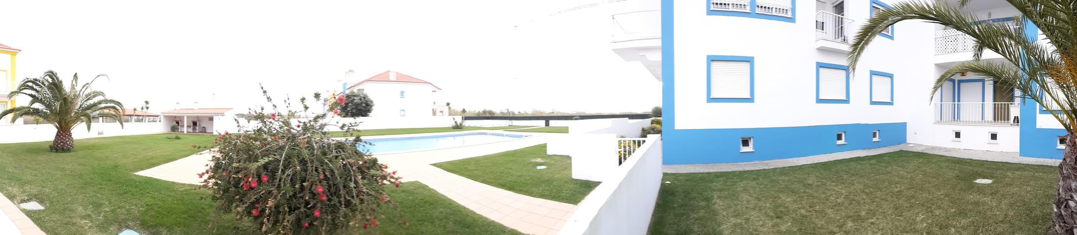 2R apartment w. pool and terrace central Baleal. - Ferrel - Wohnung
