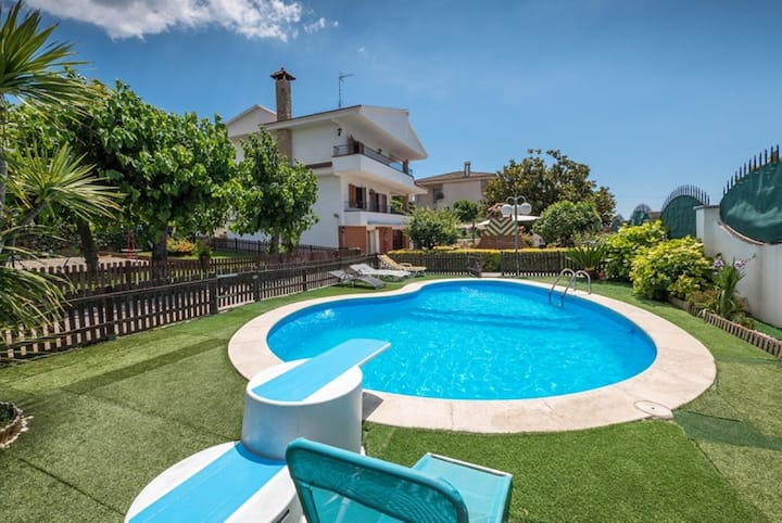 OP HomeHolidaysRentals Pallars - Costa Barcelona