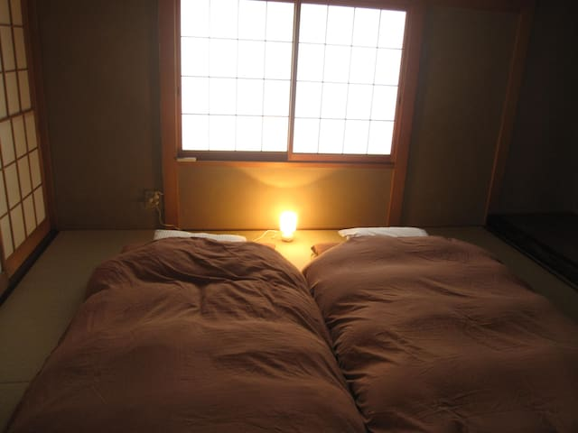 Japanese style room up to 3 people (+1 infant).