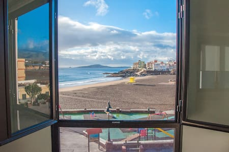 APARTMENT IN THE BEACH FRONT with amazing views