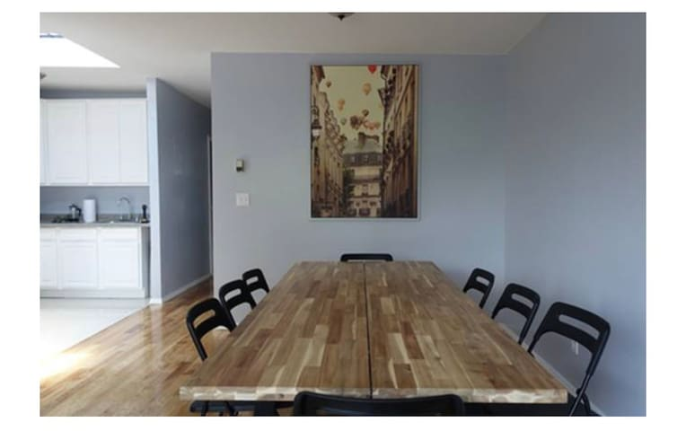 Amazing private room 15 min to manhattan!