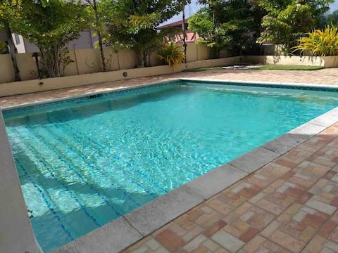 Luxury apartment w pool by gulf city shopping mall