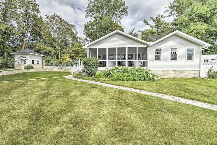 Ephraim Home w/ Yard - Walk to Lake Michigan!