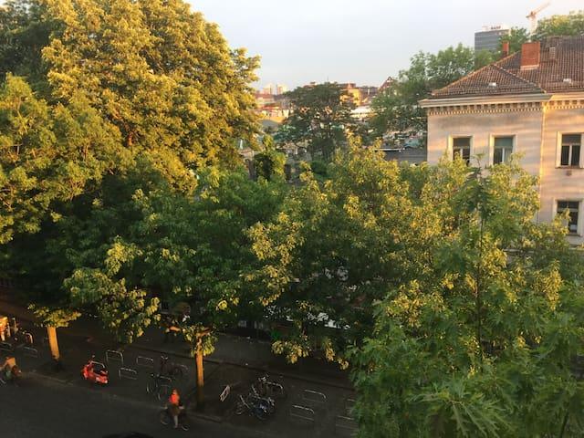 Blick aus dem Fenster (Kreuzberg / RAW Eventgelände)
