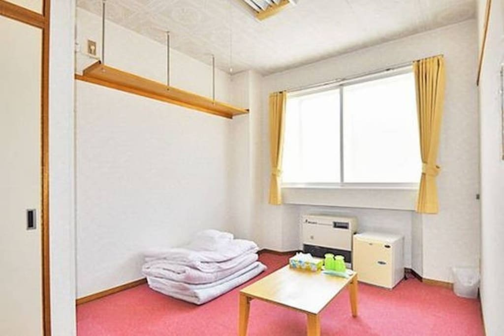 room type 1(to spread a Japanese Futon in the carpet)