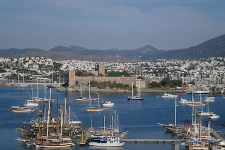 Castle View in Central Bodrum - 보드룸