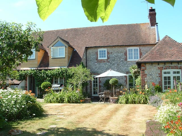 Character 18th century Cottage Goodwood Chichester - West Sussex - Casa