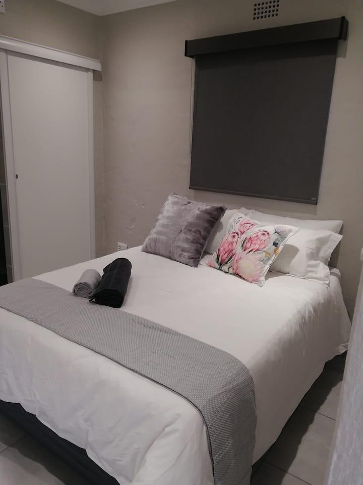 394 On Emus (Airbnb)