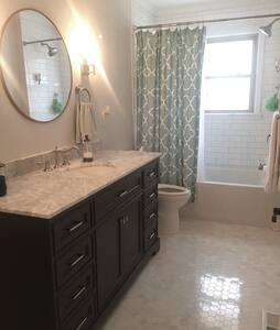 Adorable Renovated Ranch - Gastonia - Дом