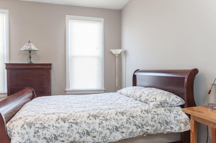Master Bedroom, H1